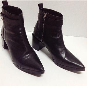 Zara women's black pointed toe booties